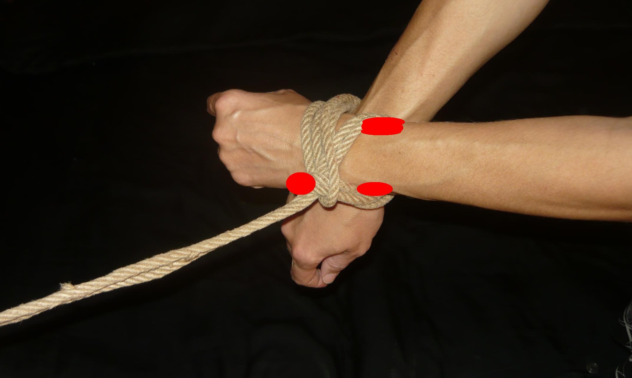 8.3 ręce na krzyż