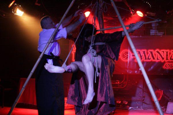 shibari performance, kinbaku, bondage, bdsm