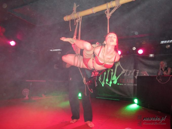 Shibari show na XI Gothic Fetish Party w klubie Voodoo 28.10.16 Warszawa