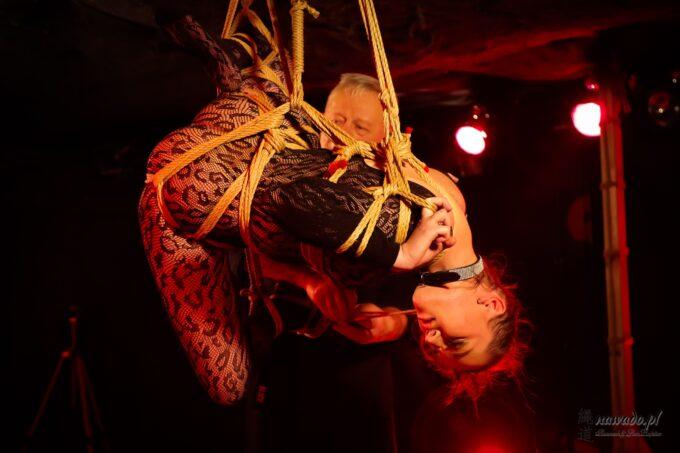 Shibari performance Voodoo, Safinaxa & GanRaptor